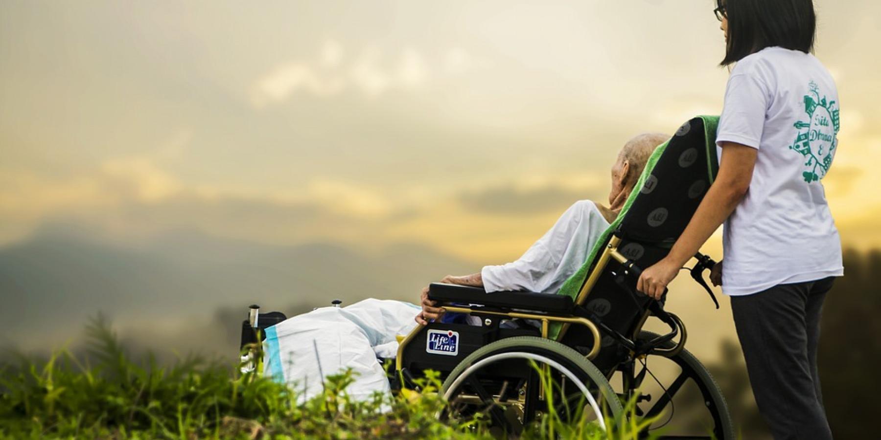 Neue Infoplattform www.an-deiner-seite.de für pflegende Angehörige