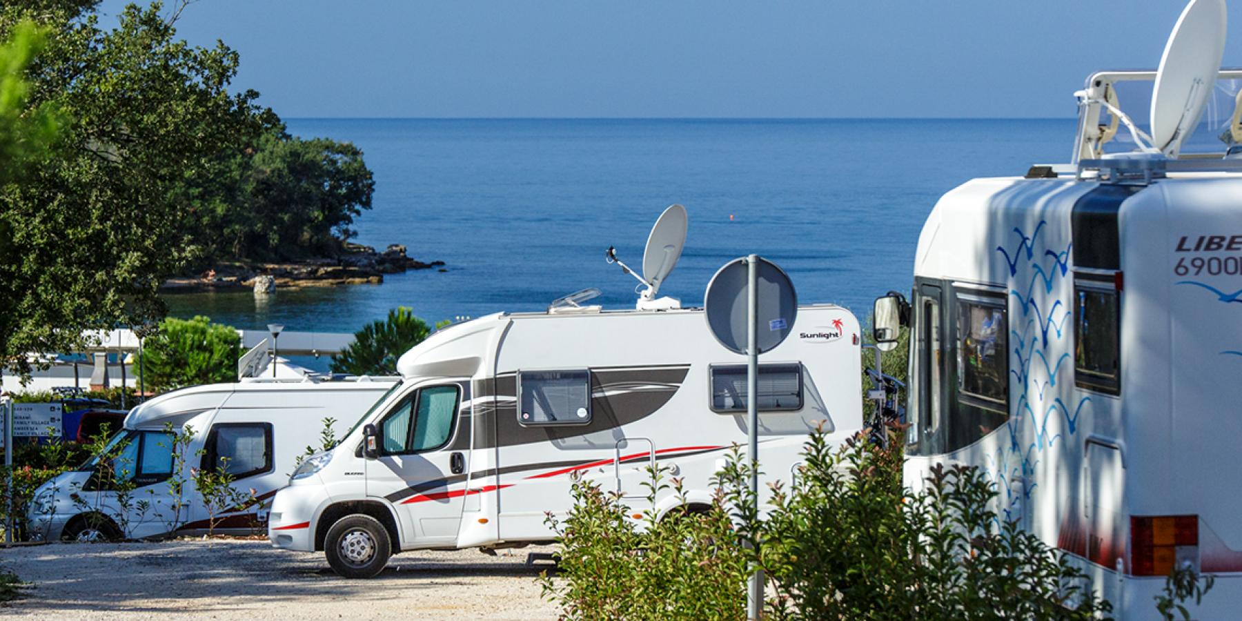 Europas außergewöhnlichste Campingplätze – 8 Top-Empfehlungen