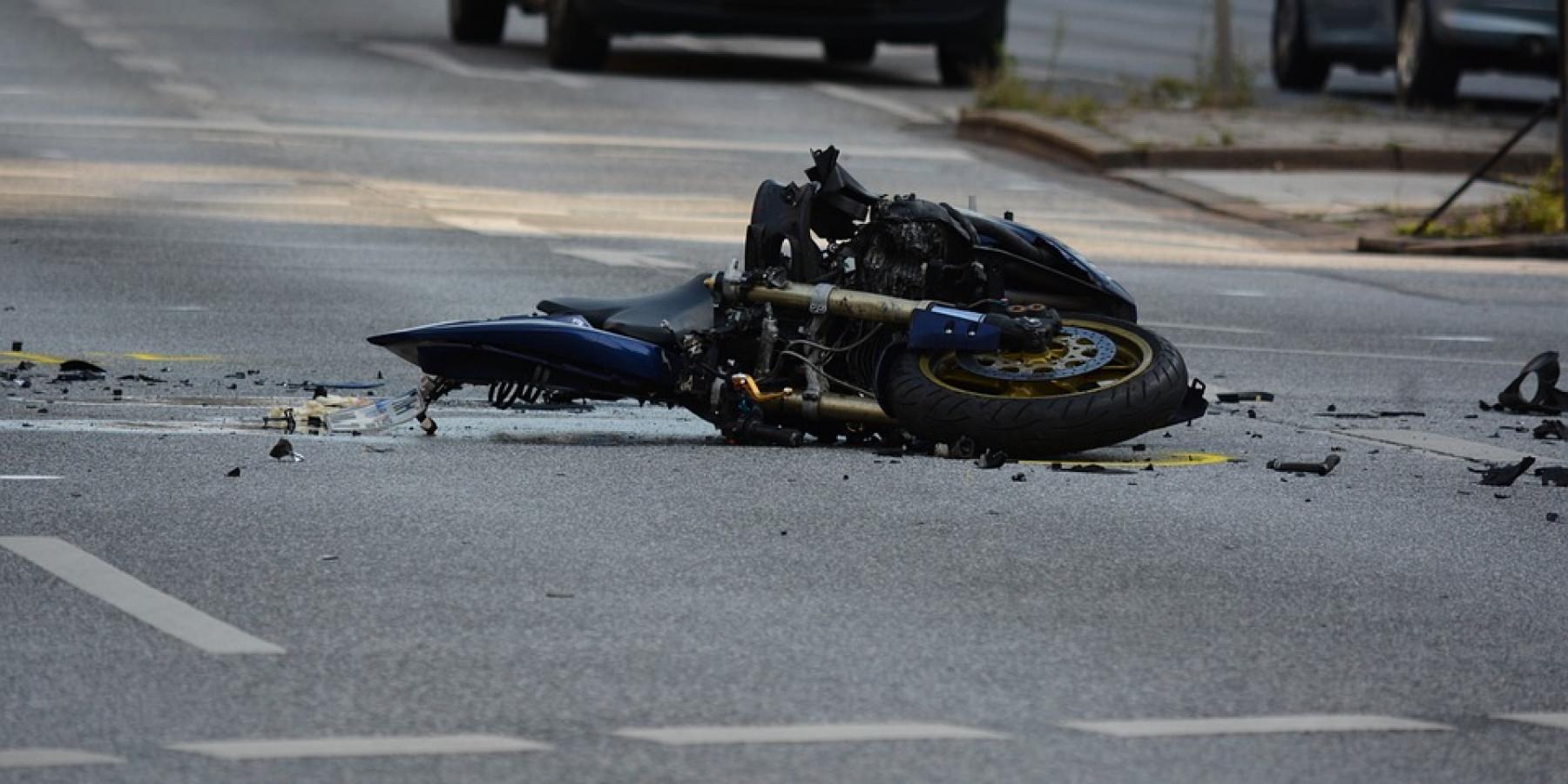 BAB A31 – Motorradfahrer und seine Sozia tödlich verunglückt