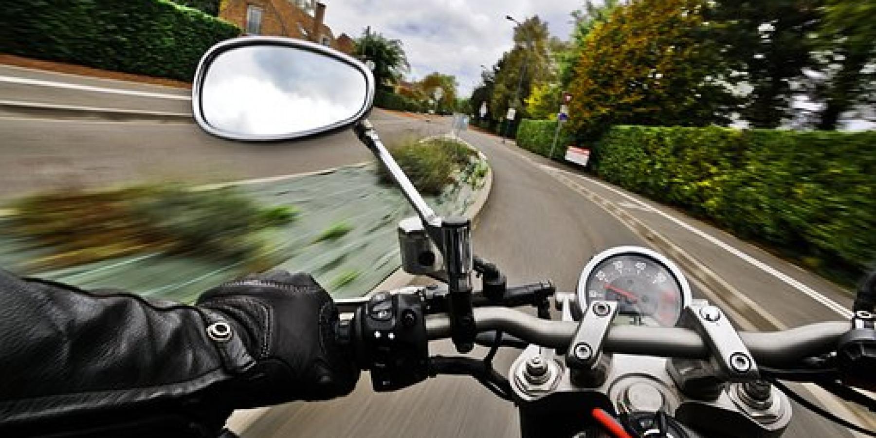 Motorisierte Zweiräder in Berg Fidel entwendet
