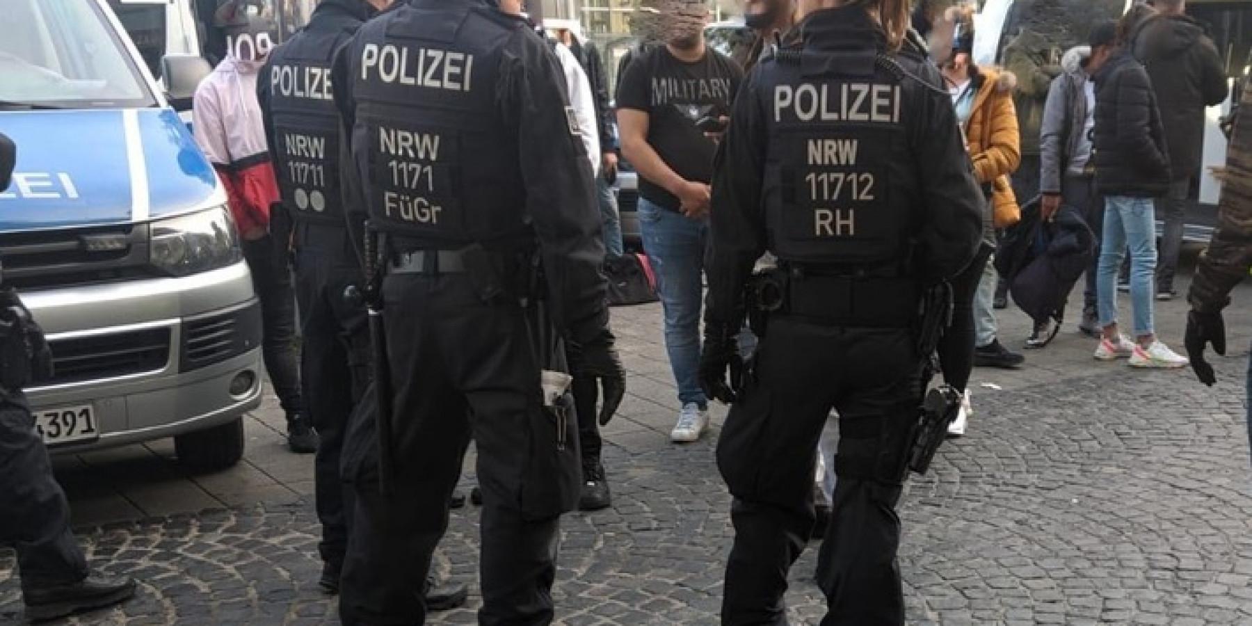 Razzia in Münster- Polizei kontrolliert  im Bahnhofsumfeld
