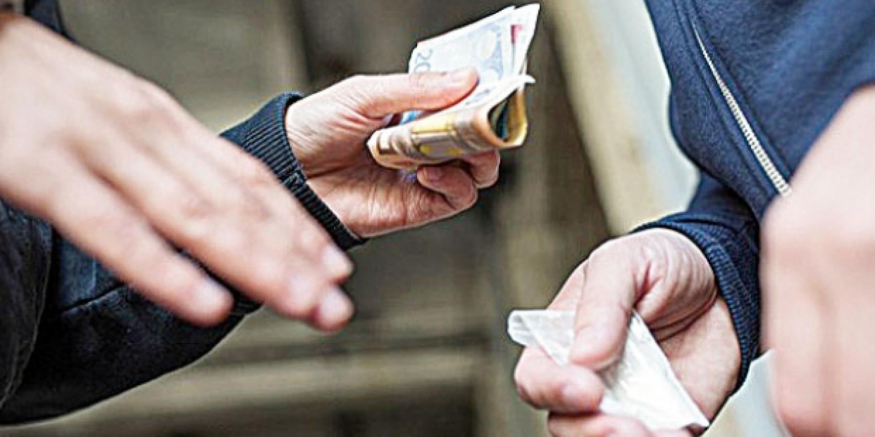 Nach Handel mit Betäubungsmitteln – Polizei findet Kokain im Baum