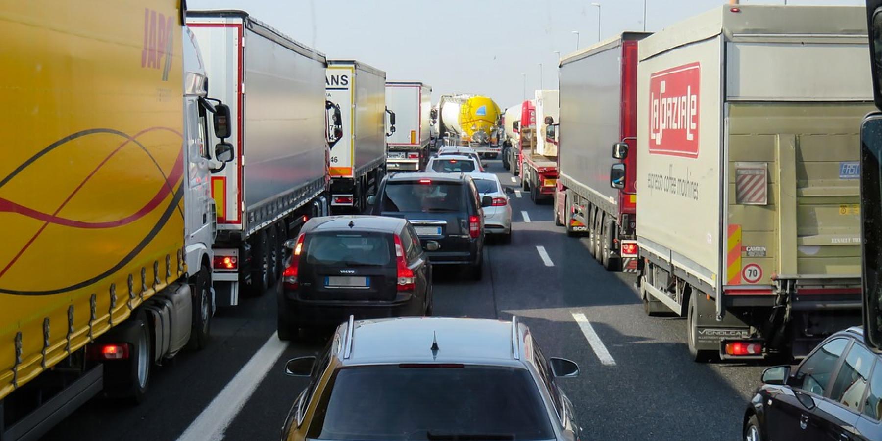 Autobahn – Unfall am Stauende – Zwei Verletzte