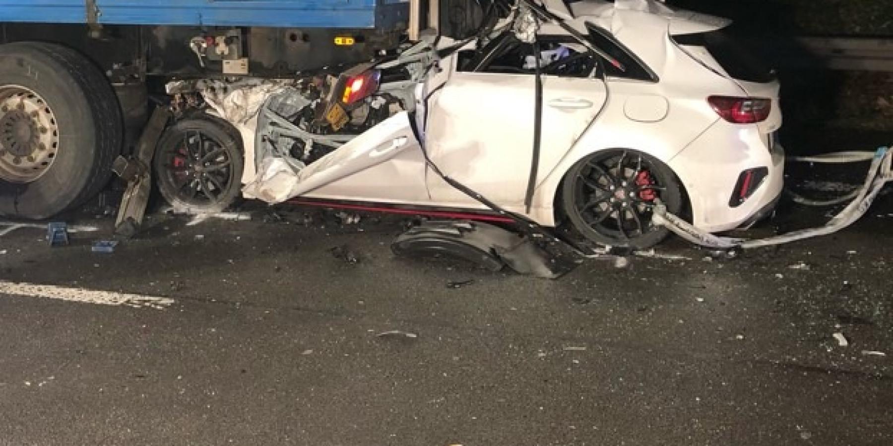 Unfall am Stauende – 29-Jähriger verstirbt an Unfallstelle