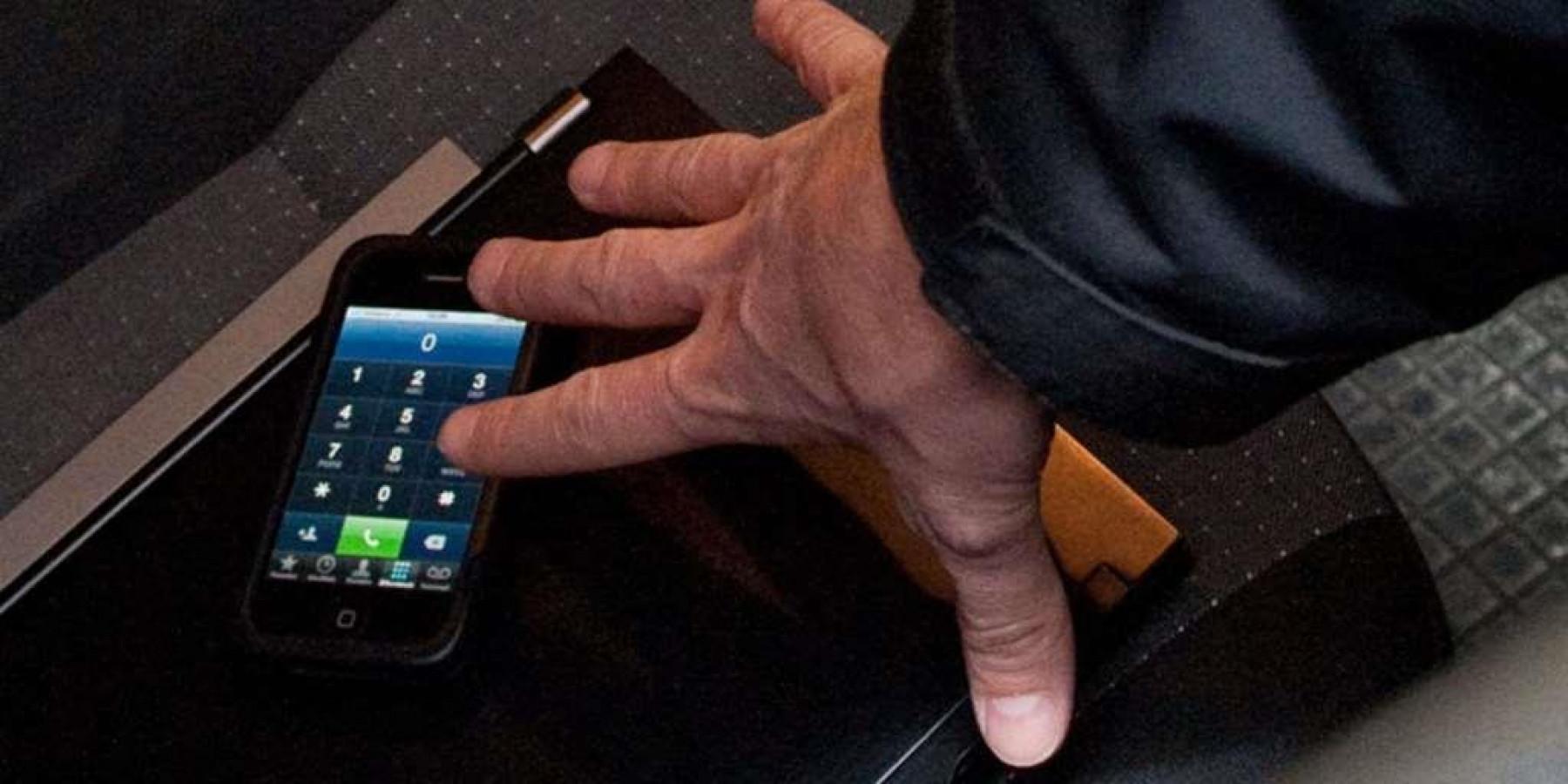 Gruppe greift zwei 18-Jährige an – Geldbörse und Handy gestohlen