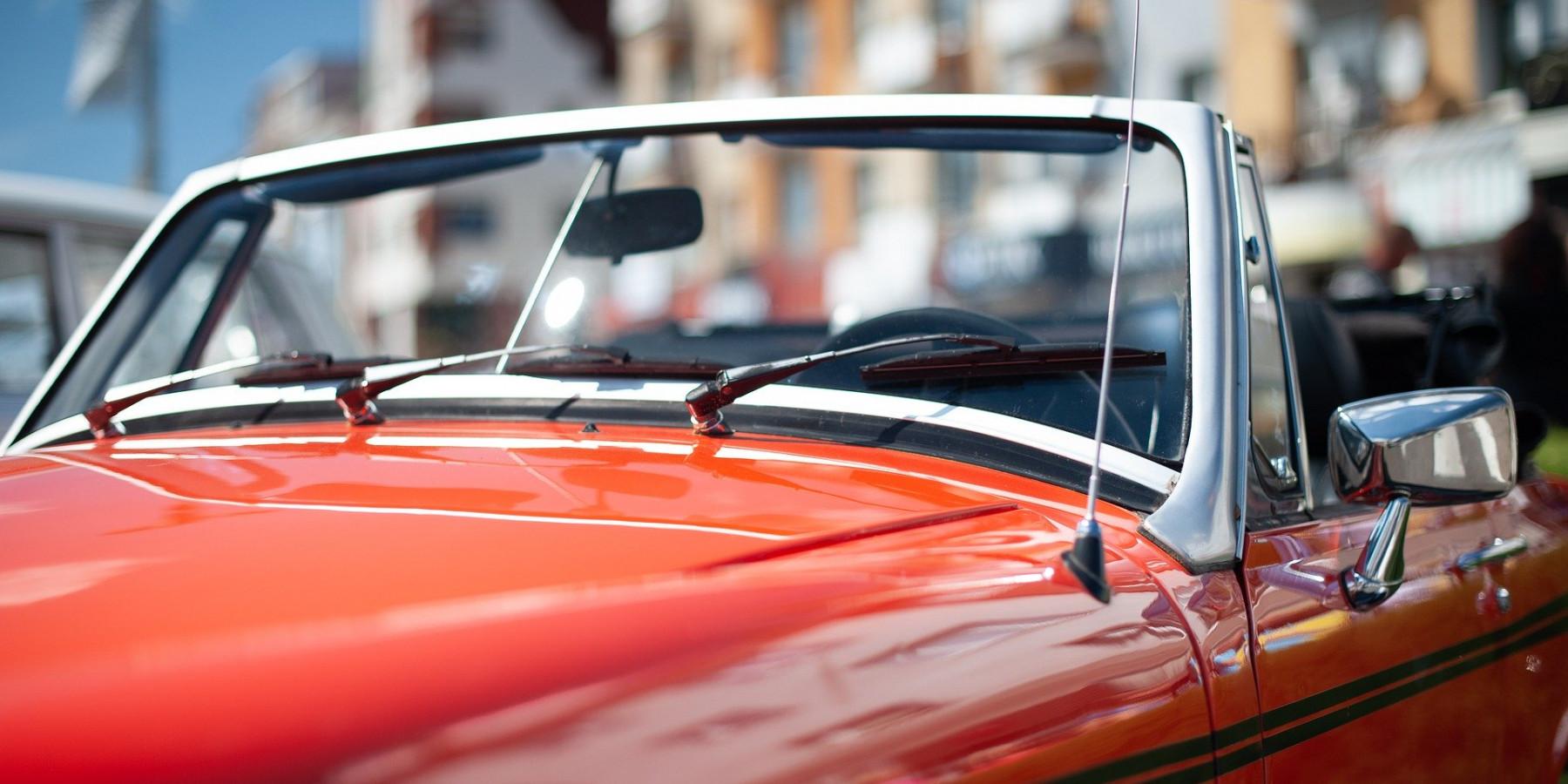 Nostalgischer Sportwagen doppelt so schnell wie zulässig